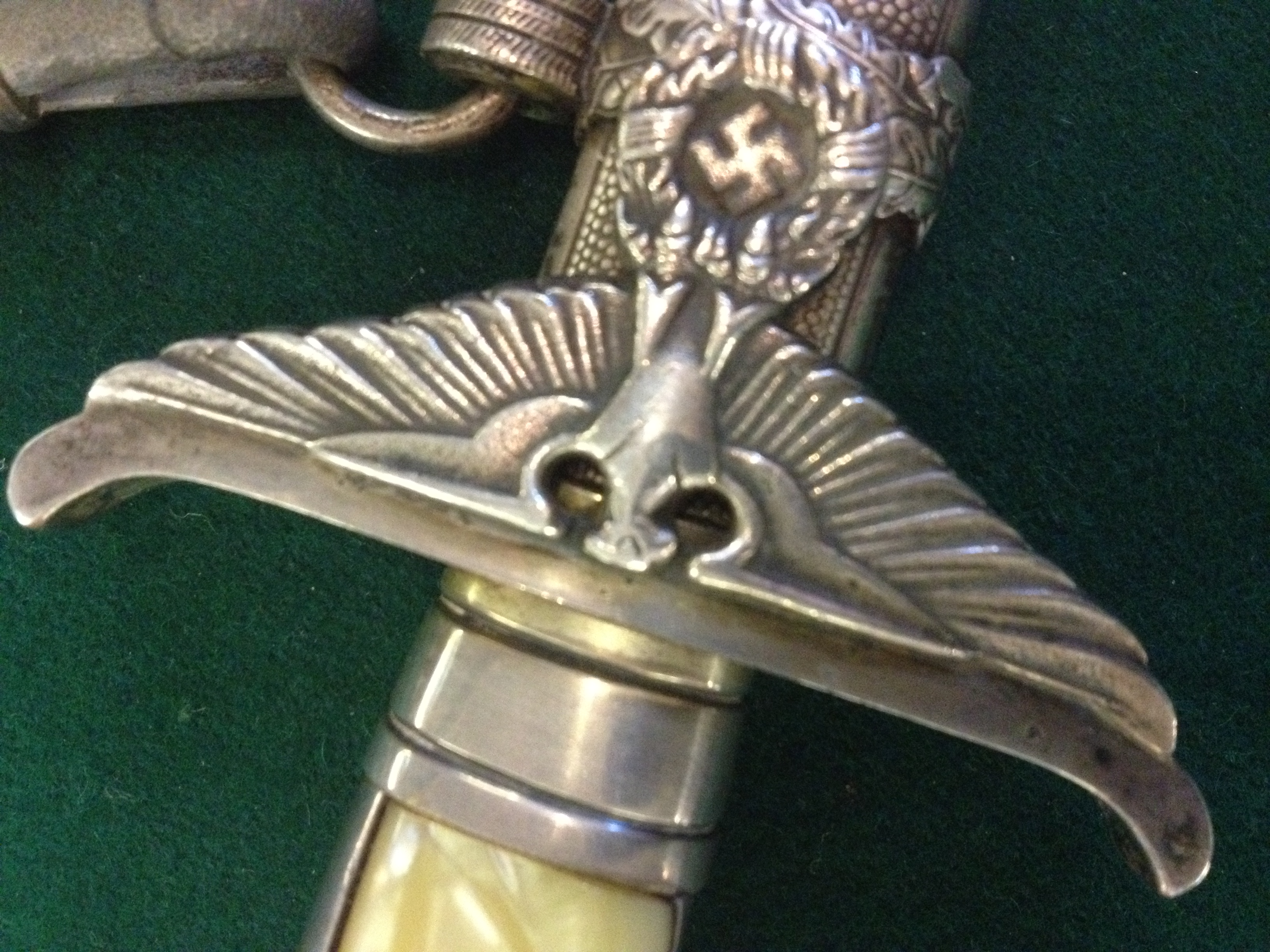 How do I sell a German WW2 Dagger ?